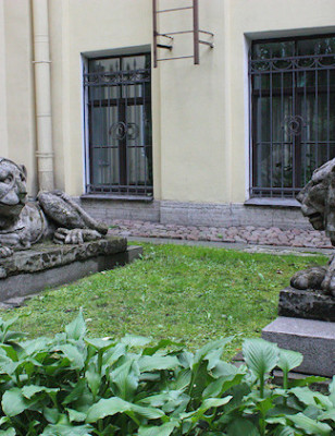 Viikon kuva: Tihvinän hautausmaa, Pietari, Venäjä