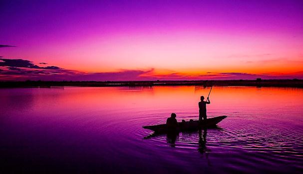 Kaakkois-Aasia, kalastajia | public domain | kulkuri.org