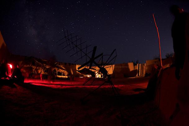 Sotilasleiri Afganistanin tähtitaivaan alla   © Michael Yon   Kulkuri.org