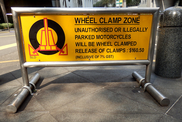Wheel clamp zone | Maija Kauhanen | kulkuri.org