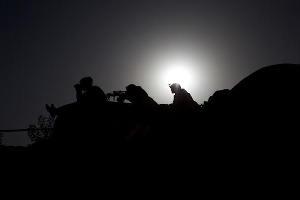 Amerikkalaisia sotilaita vartiossa   © Michael Yon   Kulkuri.org