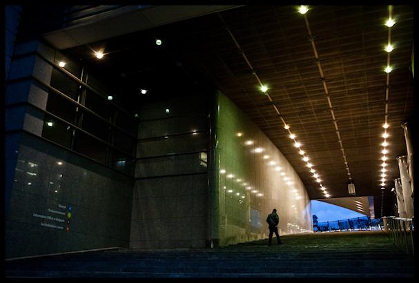 Europarlamentin suuri portaikko vie kohti pimeyden ydintä   Kristof Vadino   Kulkuri.org