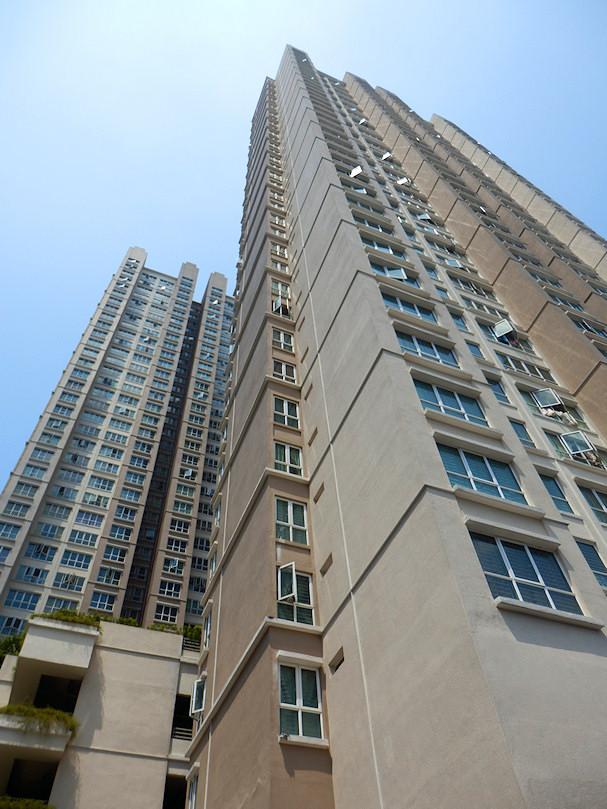 Kerrostalo Kuala Lumpurissa, vuokra-asunto on luksusta | Maija Kauhanen | kulkuri.org