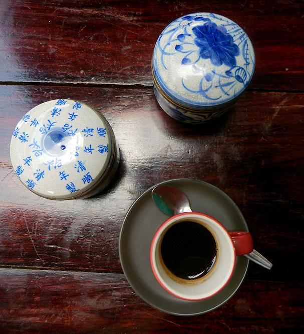 Kauniit kahvikupit, kunnon netti, hyvä työskentelykahvila tekee arjen | Maija Kauhanen | kulkuri.org