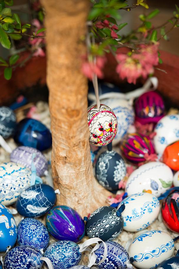 Pääsiäismuna, pääsiäinen ja koristeet ovat saapuneet Itävallan maaseudulle | Sebastian Buchner | kulkuri.org