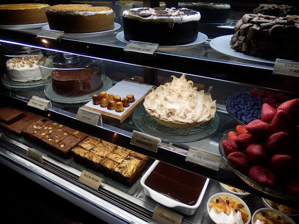 Kahvila Kuppa, Bangkok, leivonnaisia | Kulkuri.org
