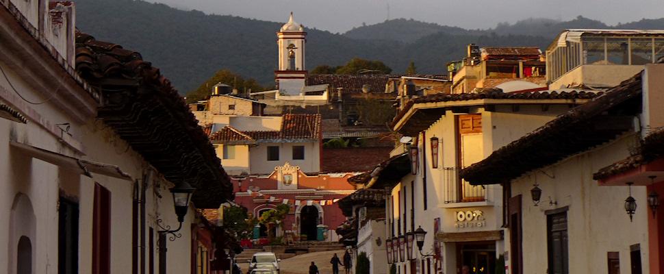 San Cristobal de Las Casas, Chiapas, Meksiko; katunäkymä | kulkuri.org