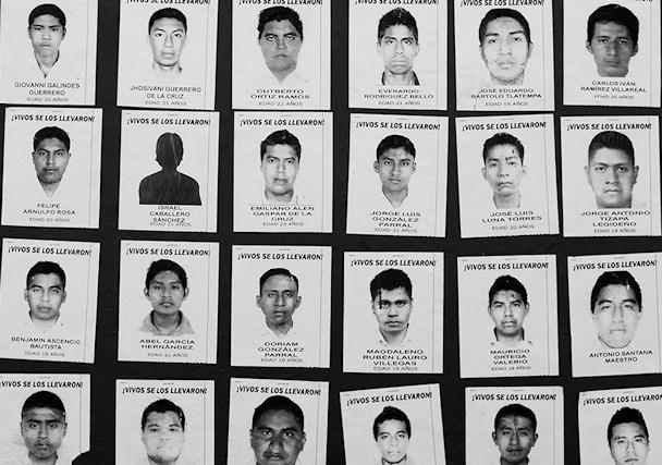 Ayotzinapan kuolleiden kuvia Oaxaca de Juárezin kaduilla | Juha Matias Lehtonen | kulkuri.org