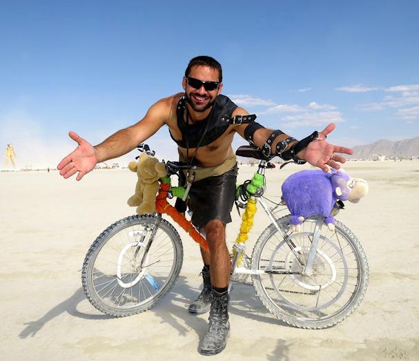 Kolmossivun kulkuri Gustav Burning Man -festivaaleilla | themodernnomad.com | kulkuri.org