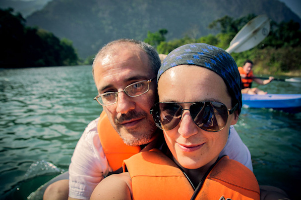 Kulkurit Ivana ja Gianni veneessä | Nomadisbeautiful.com | kulkuri.org