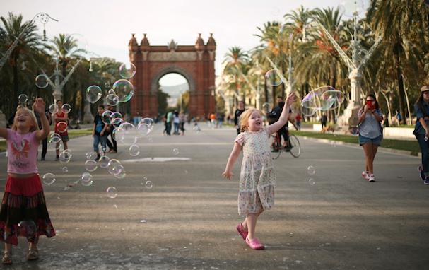 Barcelonan kaduilla saippuakuplia jahtaamassa | Jarkko Räihä | kulkuri.org
