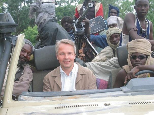 Darfurin sissien seurassa  - (c) Pekka Haavisto - Kulkuri.org