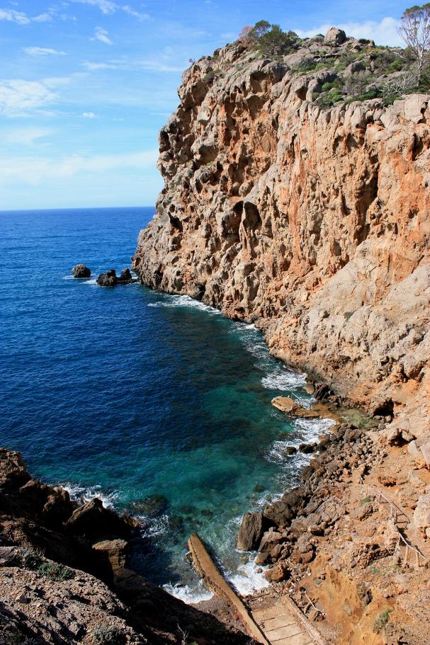 Näkymä patikkareitiltä Mallorcalla - Bess Hardwick - Kulkuri.org