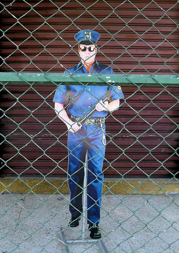 Poliisin pahvikuva, San Pedro Sula, Honduras - kulkuri.org