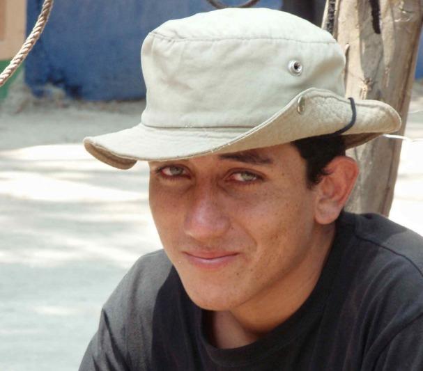 Nuori leppoisa mies Nicaraguan vuorilta - (CC) Lon&Queta - kulkuri.org