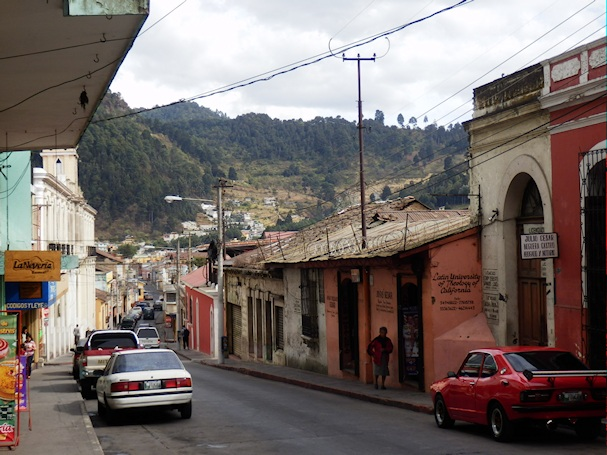 Quetzaltenangon idyllistä katukuvaa