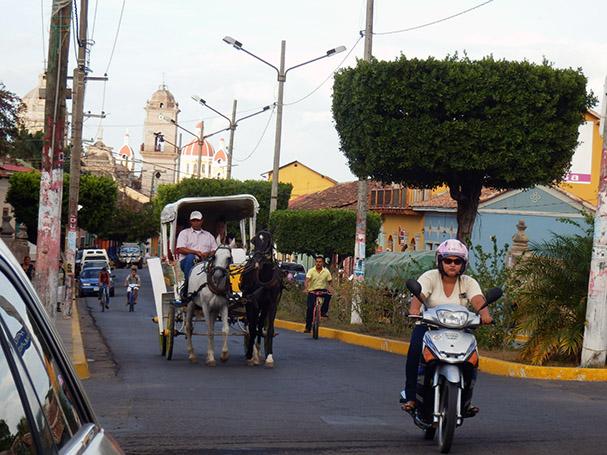 Väli-Amerikan kaupungeissa tunnelma on rauhallisempi - Maija Kauhanen
