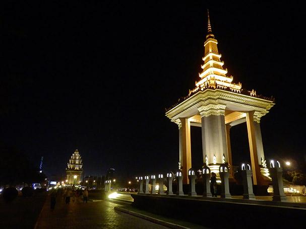 Phnom Penhiä ei ole rehellisesti sanottuna kauneudella pilattu - Maija Kauhanen